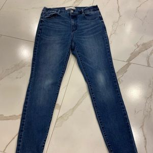 GARAGE SKINNY JEANS | Size 11-very good condition